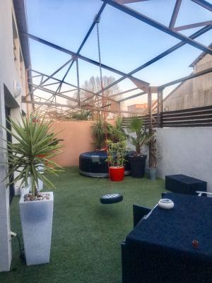 Location Appartement Avec Grande Terrasse Et Jacuzzi Avignon Pontet