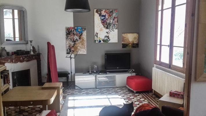 Location maison de ville avec cour avignon extramuros for Avignon location maison