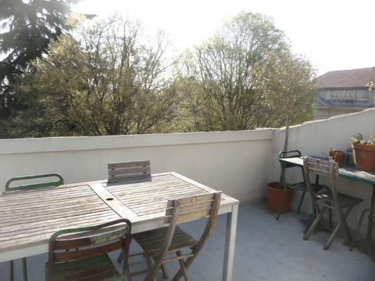 Location Maison De Ville Avec Terrasse Sur Avignon Intra